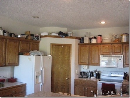 dis-organized kitchen