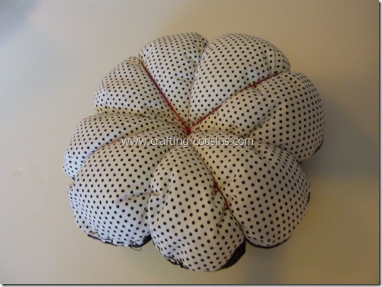 Sew your own flower pincushion tutorial from the Crafty Cousins (35)