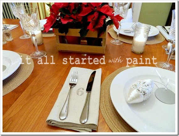 Holiday Table No. Napkins (550x413) (2)