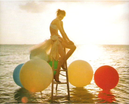 tim-walker-balloons