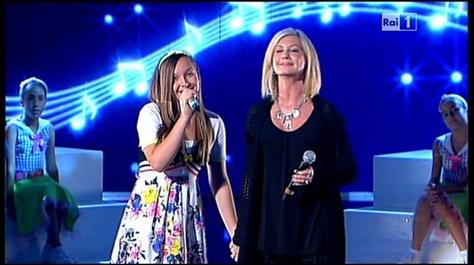 Madalina Lefter si Olivia Newton John - Ti lascio una canzone
