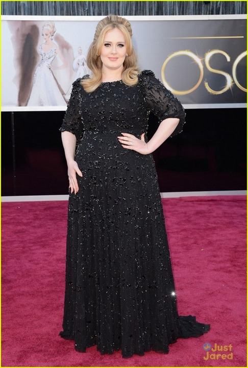 adele-oscars-red-carpet-2013-01