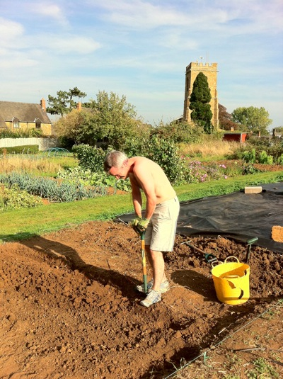 Bredan digs allotment Wardington UK