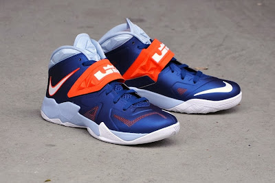 nike zoom soldier 7 gr brave blue red 1 06 New Nike Zoom Soldier VII Brave Blue & Red (599264 401)