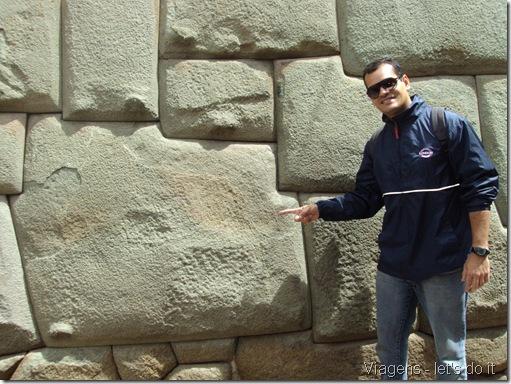 Pedra de doze Ângulos na cidade de Cusco