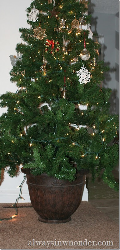Decorative_Christmas_tree_stand (2)