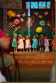 g 2 year old school play (25)