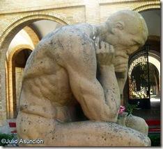 El Pensador de Arcaya - Cementerio de Pamplona