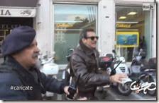 Il funzionario di polizia che ordina di caricare gli operai