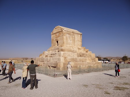 31. Mormantul lui Cirus cel Mare la Pasaragadae.JPG
