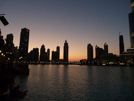 Obiective turistice Dubai: apus de soare la Dubai Mall
