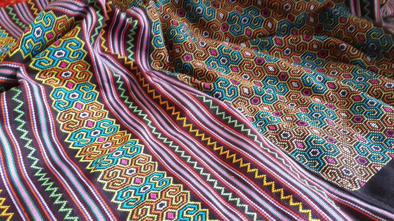 model baju tenun banda aceh   Tenun NTT Banda Aceh