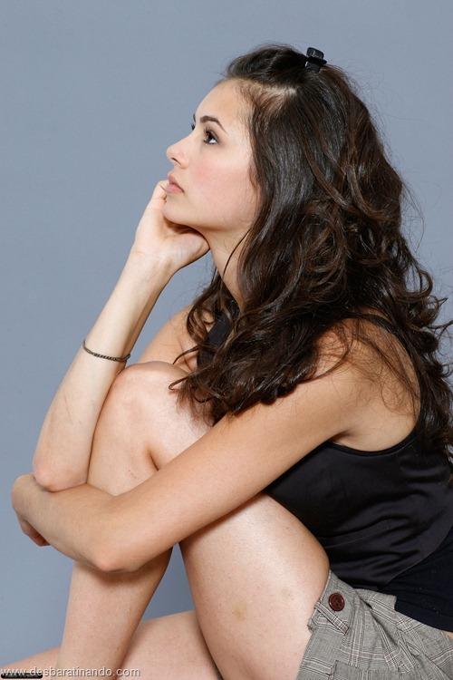 nina dobrev linda sensua sexy sedutora fotos Vampire Diaries desbaratinando (80)