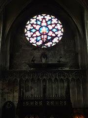2014.08.03-042 rosace dans l'église Notre-Dame du Sablon