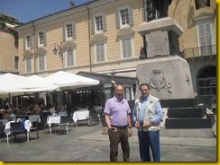 Pino Colombi e Tonino Raffa in Piazza Garibaldi[2]