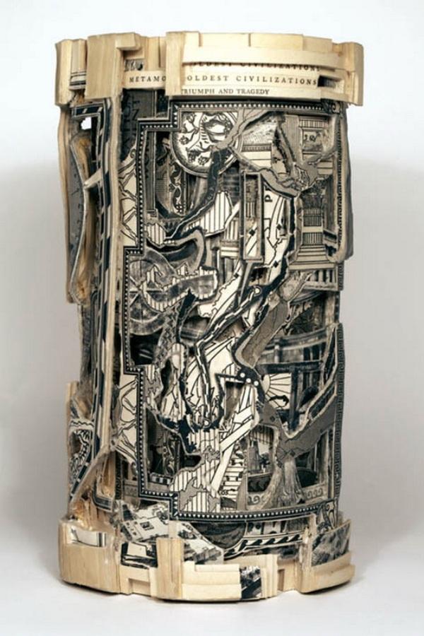 brian Dettmer - arte com livros  (3).jpg