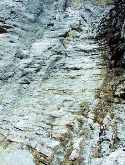 05-beide klein in der riesigen Eigerwand (1024x768)