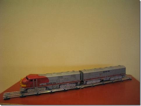 Marx #1095 3/16-inch Santa Fe E7 Diesel Locomotives