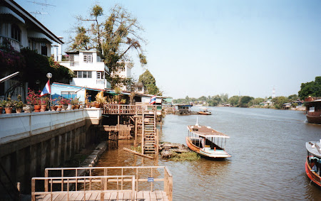 Transport Thailanda: canal Ayutthaya peste Chao Praya