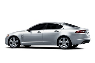 2010-Jaguar-XF-Sedan-2