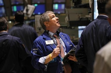 Dow, S&P fall for fifth day, but Alcoa up late