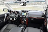 2014-Toyota-Land-Cruiser-Prado-39.jpg