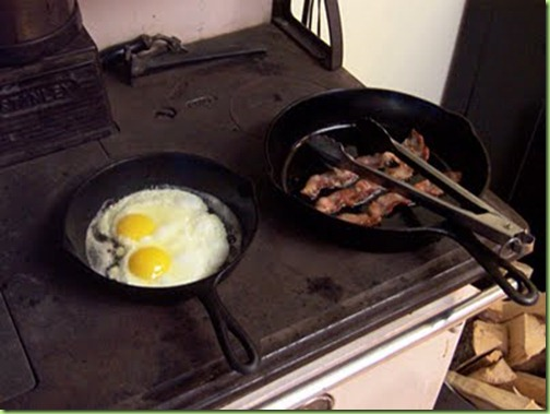 eggs_and_bacon_wood_style_lg