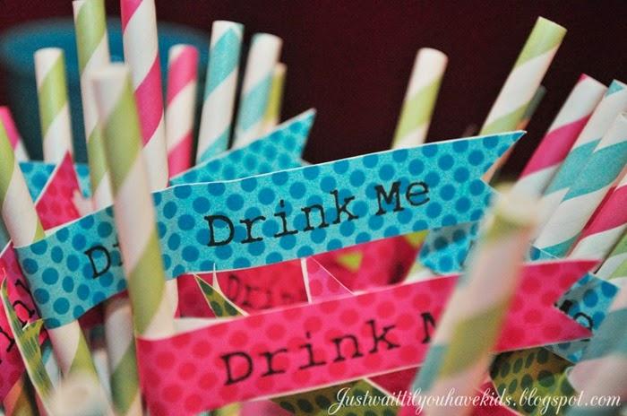 Onederland-Deets-Drink-Me