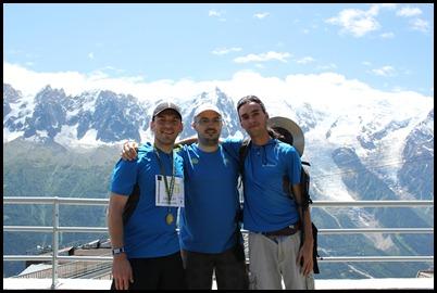 Greg Christophe et David devant le Mont Blanc