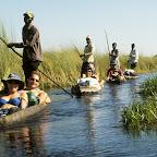 Mokoro-Trail mit Touristen  © Foto: Sunway-Safaris
