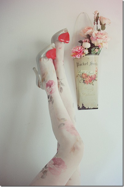 cute-florals-flowers-tights-white-Favim.com-163953