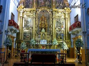 exorno-floral-para-boda-en-la-iglesia-de-sanra-maria-de-la-victoria-de-malaga-y-celñebración-(3).jpg