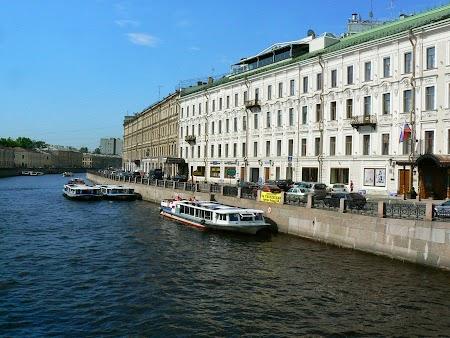 Obiective turistice Rusia: Pe malurile Nevei