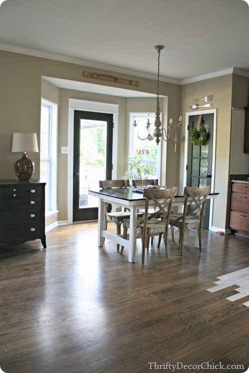 Kitchen Table To Move Or Not To From Thrifty Decor Chick