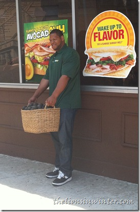 Ndamukong Suh delivers fresh avocadoes to Subway
