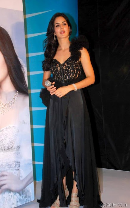 Katrina Kaif Beautiful Pics in Black Lace Dress 5