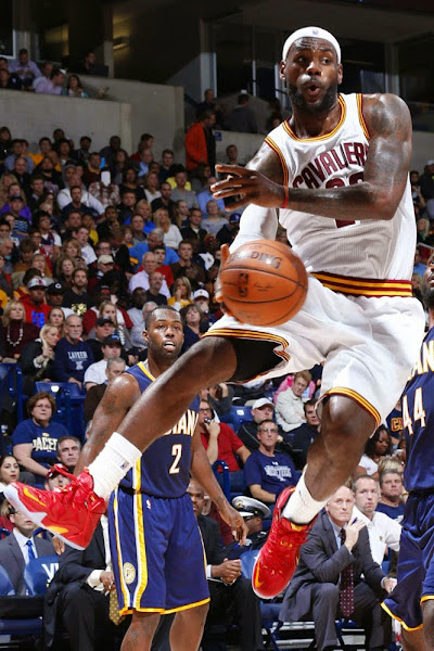 James Wears 8220Cavs8221 Nike LeBron 12 PE vs Indiana