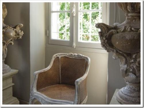 Vases-sur-colonne_carrousel_gallery