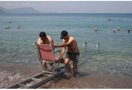 Συστήματα πρόσβασης Α.με.Α. στις παραλίες της Κεφαλονιάς