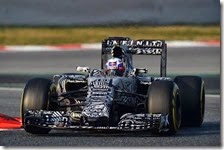 Daniel Ricciardo con la Red Bull nei test di Barcellona 2015