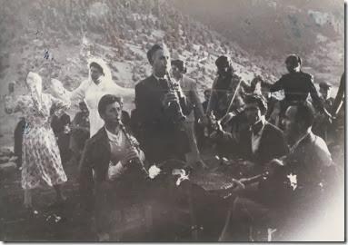 Kαρούτες  1955 , στο  γάμο  το[6]