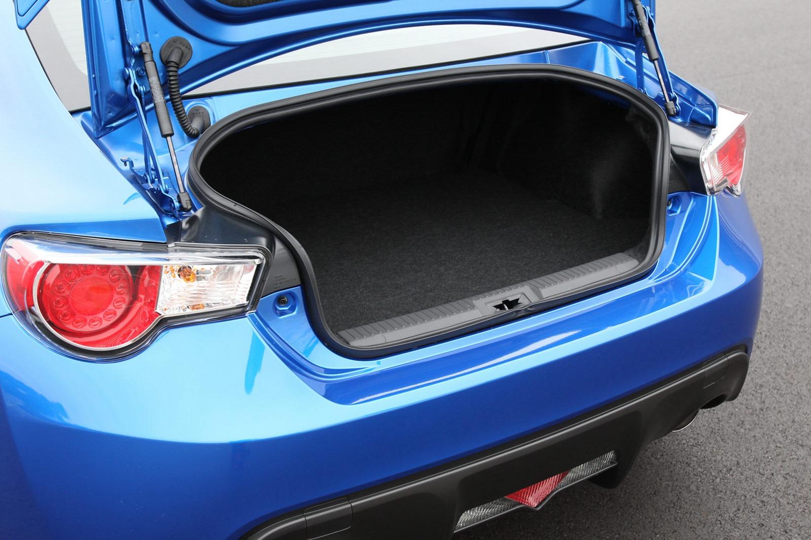 2013-Subaru-BRZ-Coupe-18.jpg?imgmax=1800