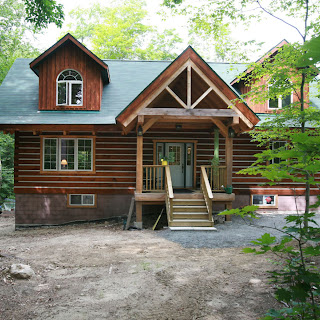Ecolog with gable entrance