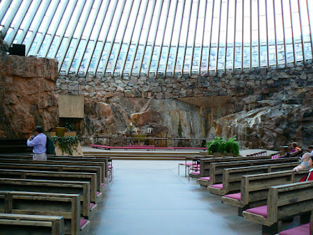 Obiective turistice Finlanda: biserica Temppeliaukio Helsinki