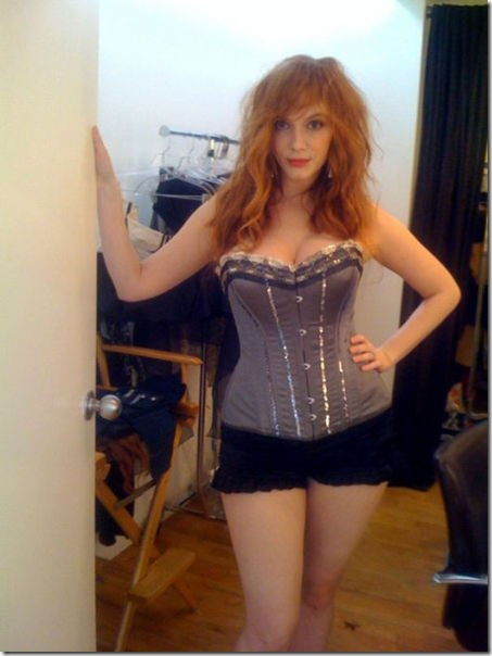 hot-christina-hendricks-9