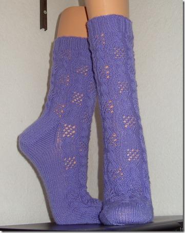 2013_08 Socken Fischernetz in lila (1)
