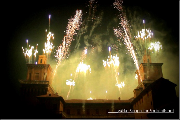 Capodanno a Ferrara: incendio del Castello Estense - New Year's Eve in Ferrara: Estense Castle of fire, Foto2 By Mirko Scape