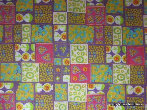 TE18-tecido-estampa-patchwork-medio-lilas