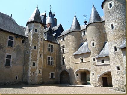 chateau fourgeres-sur-bievres