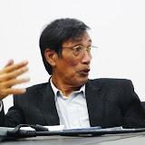 時折身振りを交えながらメンバーに語りかけるJayl Langub氏 / Mr. Langub talked to the members with a passionate manner.